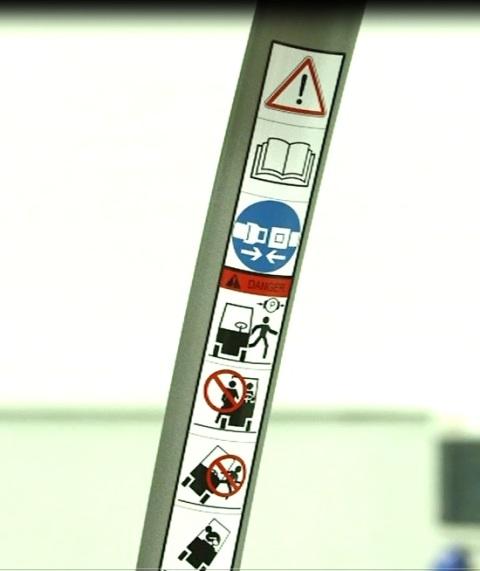 Naklejki ostrzegawcze do wózka widłowego.